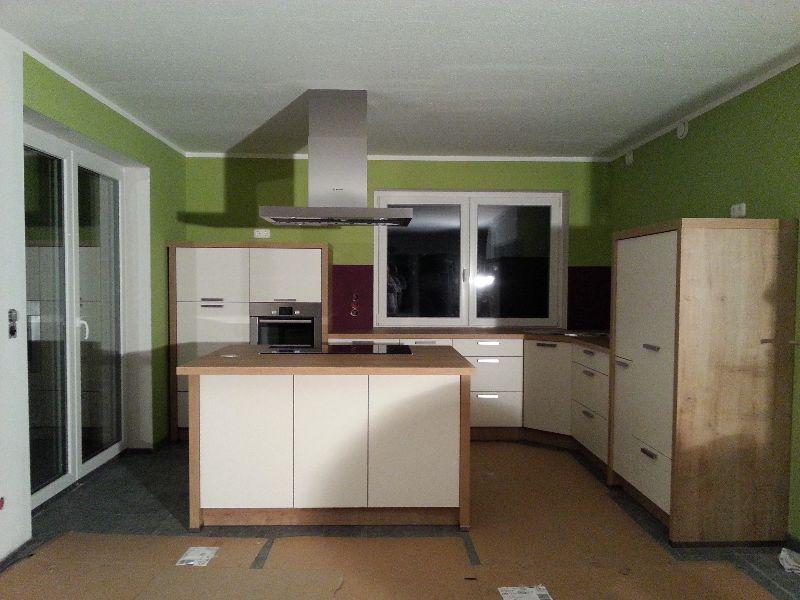 traumhaus von pierre und marilena einbau der k che. Black Bedroom Furniture Sets. Home Design Ideas